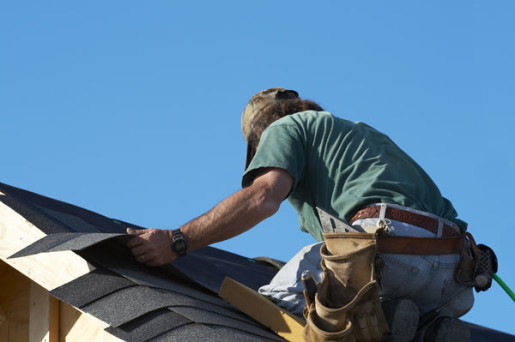 4 Mistakes to Avoid When Hiring a Commercial Roofing Contractor